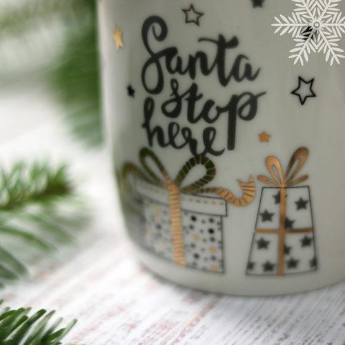 Aranyozott mintás fehér kerámia karácsonyi bögre - ajandék dobozos