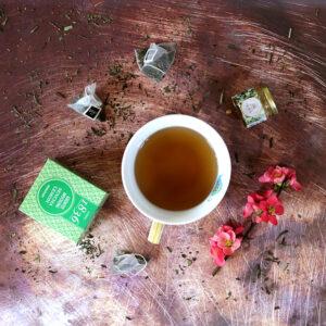 Filteres sencha zöld tea és óriás bögre