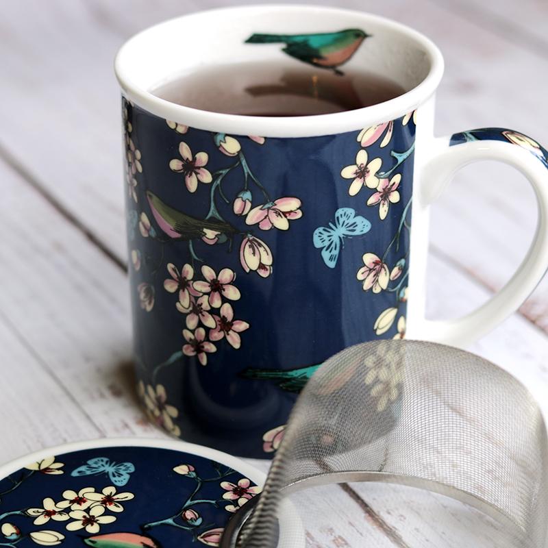 Kék madaras szűrős kerámia teás bögre fedővel
