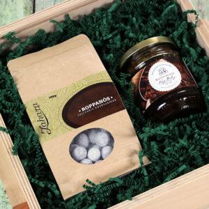 Karácsonyi fadobozos gasztroajándék csomag - kávés csokidrazsé és kávés-rumos méz