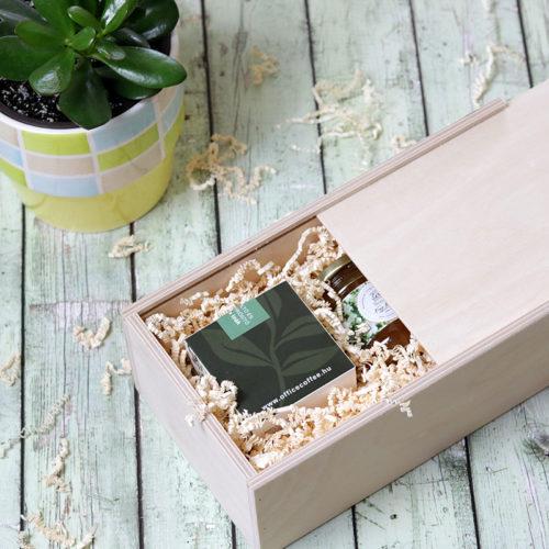 Fadobozos gasztroajándék csomag szálas tea válogatás és gyógynövény méz