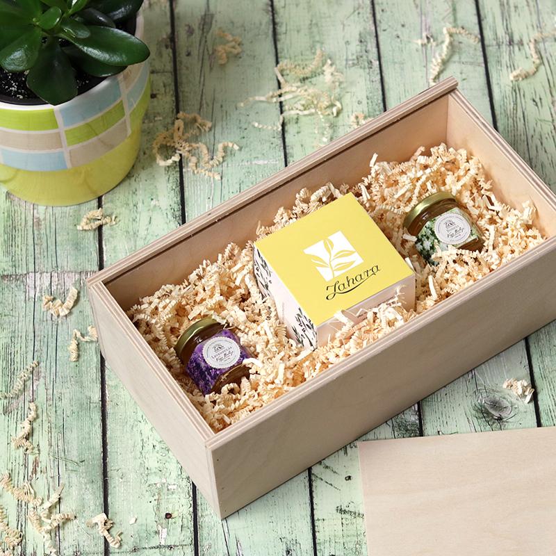 Fadobozos gasztroajándék csomag szálas tea válogatás és gyógynövény méz válogatás