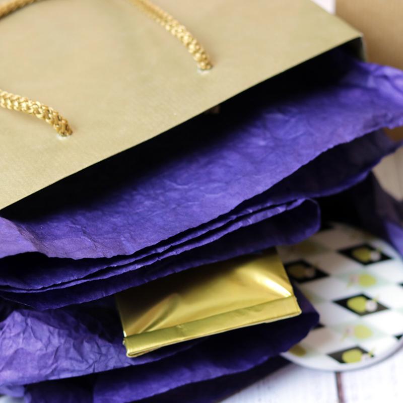 Zsinórfüles papír ajándéktasak - arany
