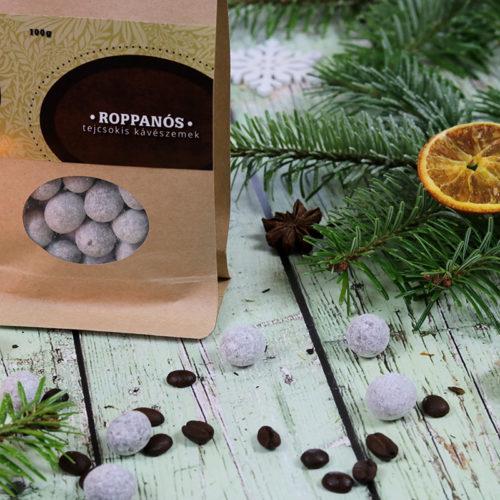 Karácsonyi kávés ajándék - csokidrazsé kávészemmel és cappuccinos készlet