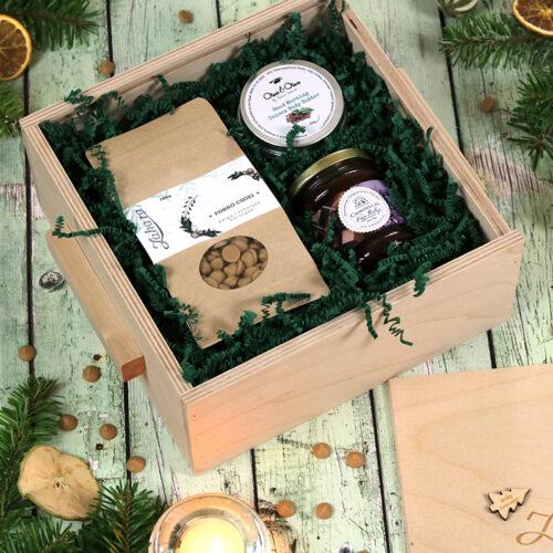 Karácsonyi forró csoki, csokis levendulás méz és kávés testvaj fadobozos ajándékcsomag