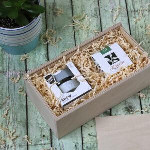 Fadobozos gasztroajándék csomag - KeepCup coffee to go pohár és szálas gyógynövény tea válogatás