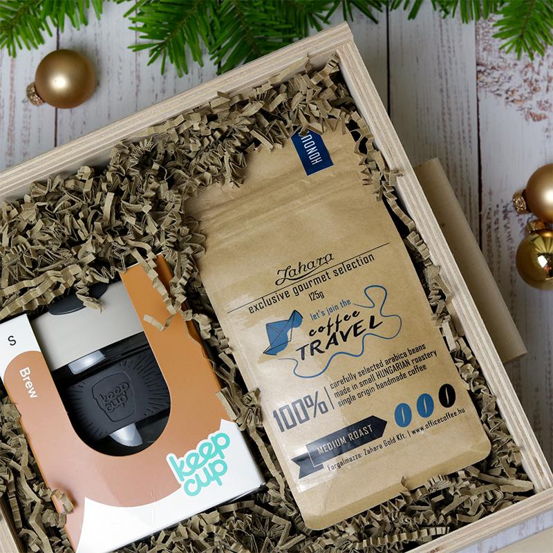 KeepCup és specialty kávé ajándékcsomag - karácsonyi gasztroajándék fadobozban