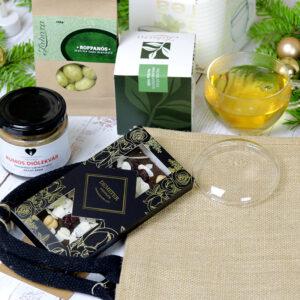 Zöld tea, csokoládé diós mandulás karácsonyi gasztroajándék csomag juta táska csomagolásban