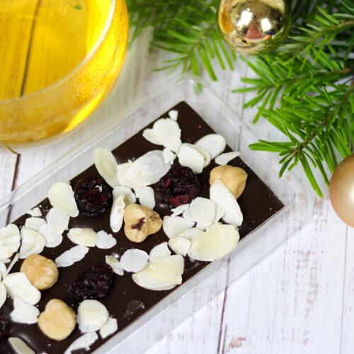 Demeter kézműves étcsokoládé - makadámdiós, meggyes, mandulás csokoládé ajándék tábla