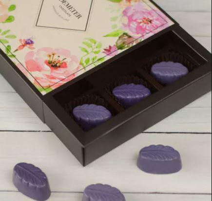 Levendulás kézműves csokoládé bonbon ajándék Nőknek